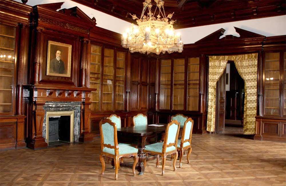 Wenckheim kastély könyvtárterem