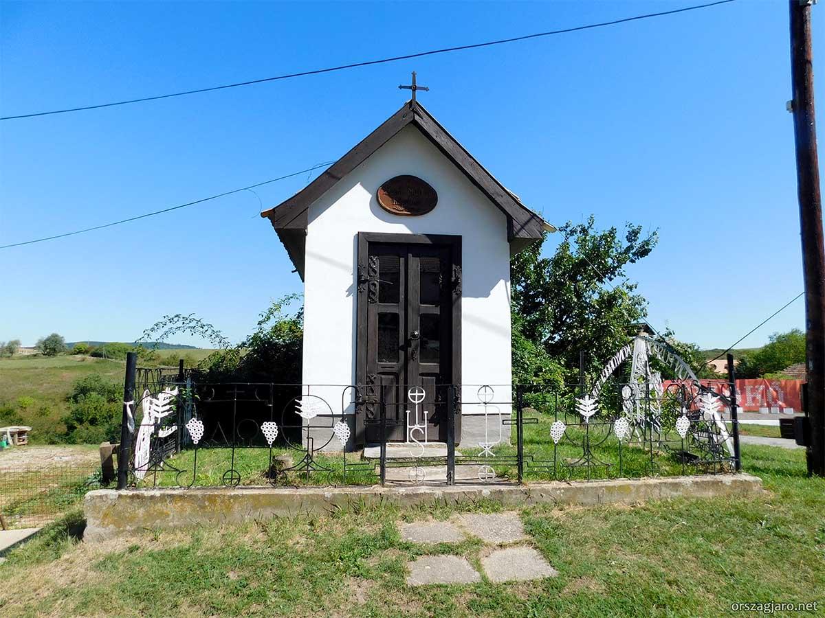 Szent Márton kápolna - Hollókő