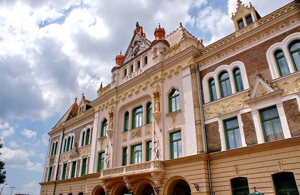 Pécs postapalota