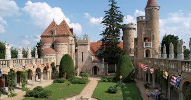 Bory-vár - Székesfehérvár