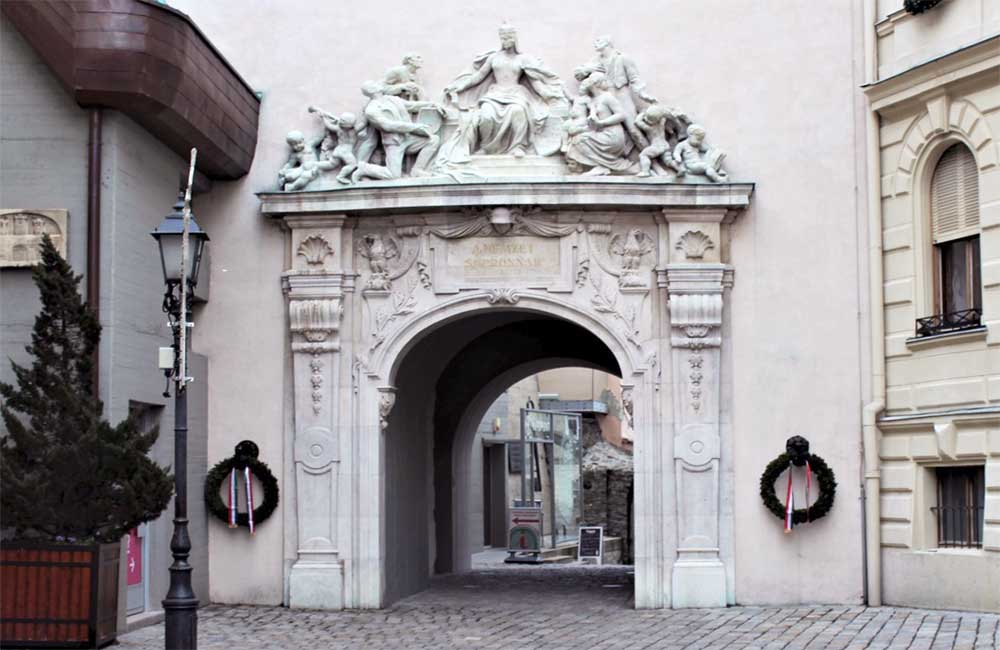 Hűségkapu - Sopron