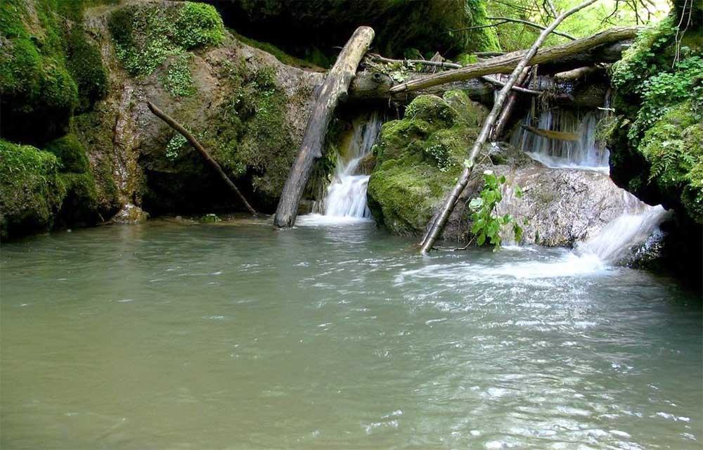 Csepegő szikla - Óbánya