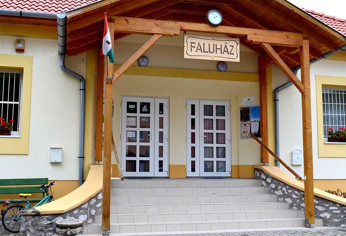 Egerszalók - faluház