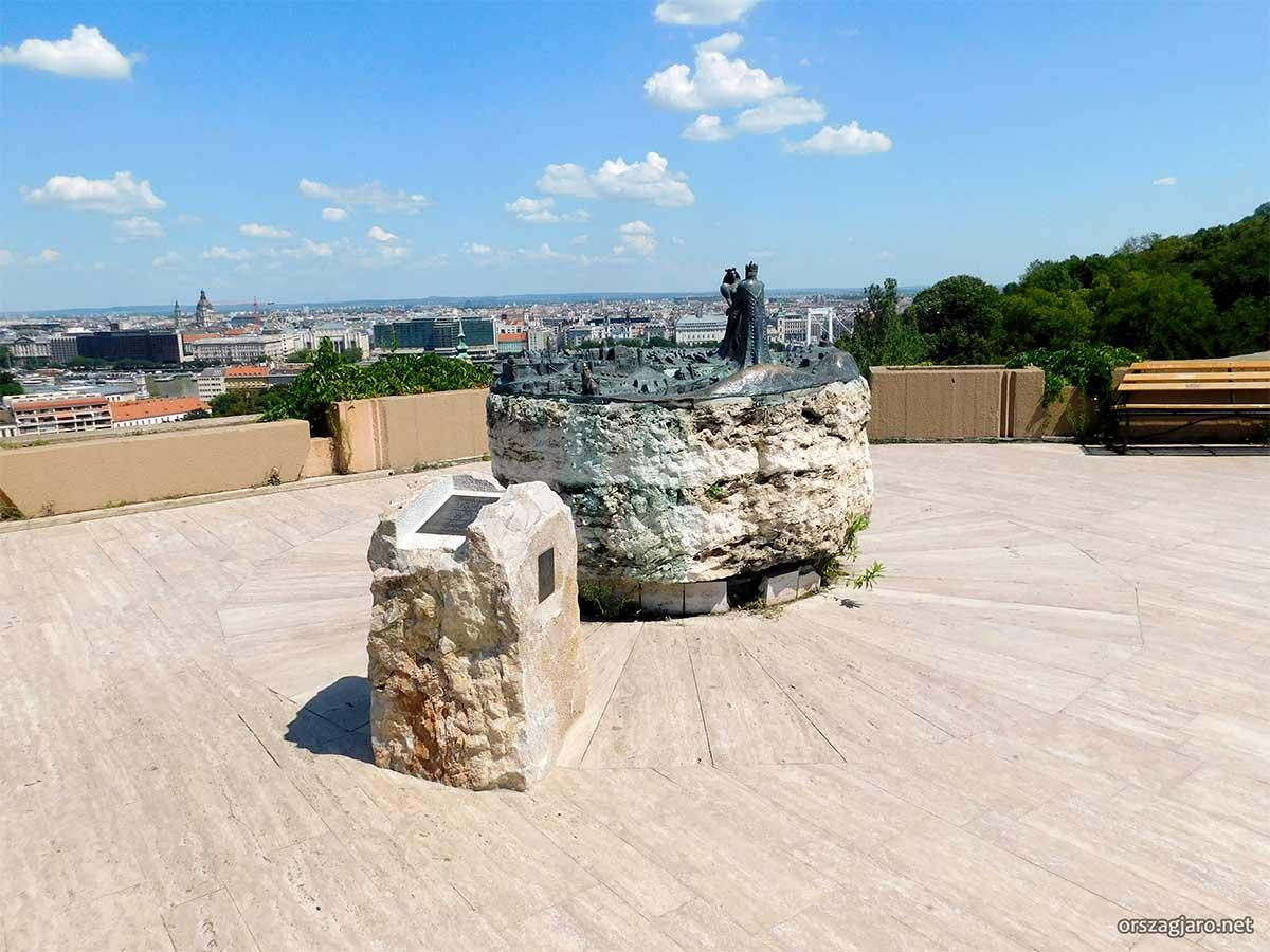 Kilátókő szobor - Budapest