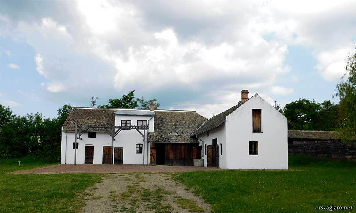 Szentendrei Skanzen - Nagykőrösi kékfestőműhely